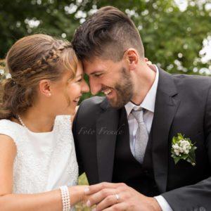 verliebtes ehepaar bei hochzeitsshooting in lichtenfels